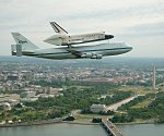 Discovery and 747 over DC (NASA)
