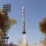 Proton launch of Intelsat 31 (Roscosmos)